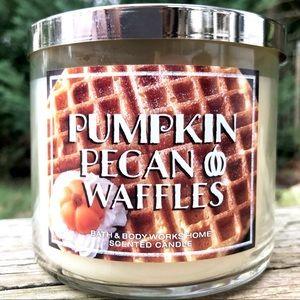 Pumpkin Pecan Waffles Candle (Bath & Bodyworks)